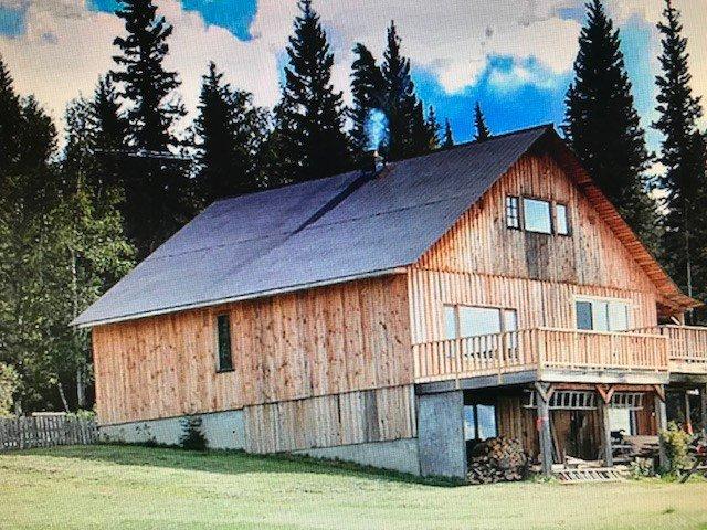 """Main Photo: 57945 - 58385 BLACKWATER Road in Prince George: Blackwater House for sale in """"BLACKWATER"""" (PG Rural West (Zone 77))  : MLS®# R2497167"""