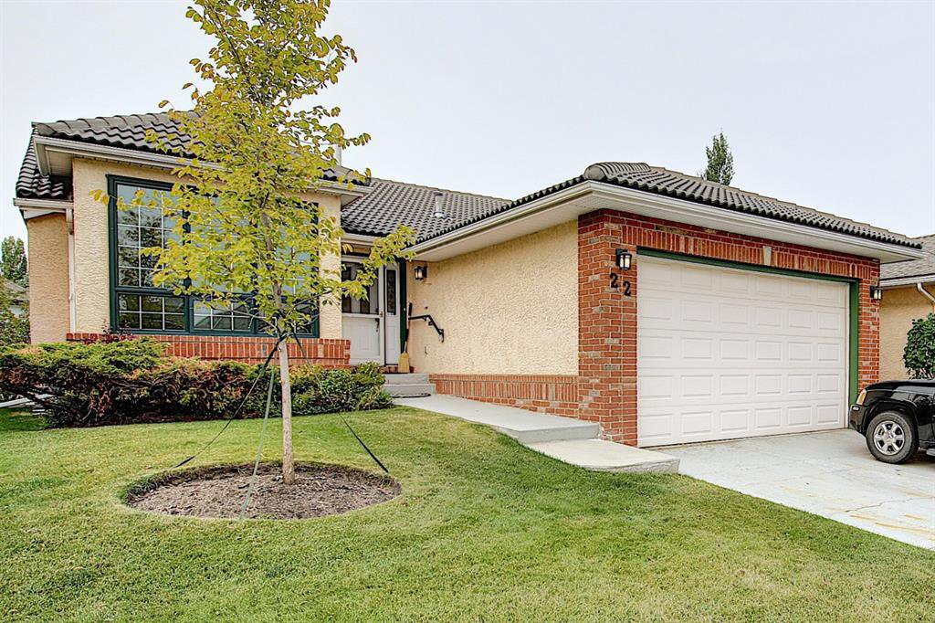 Main Photo: 22 EVERGREEN Bay SW in Calgary: Evergreen Detached for sale : MLS®# A1033226