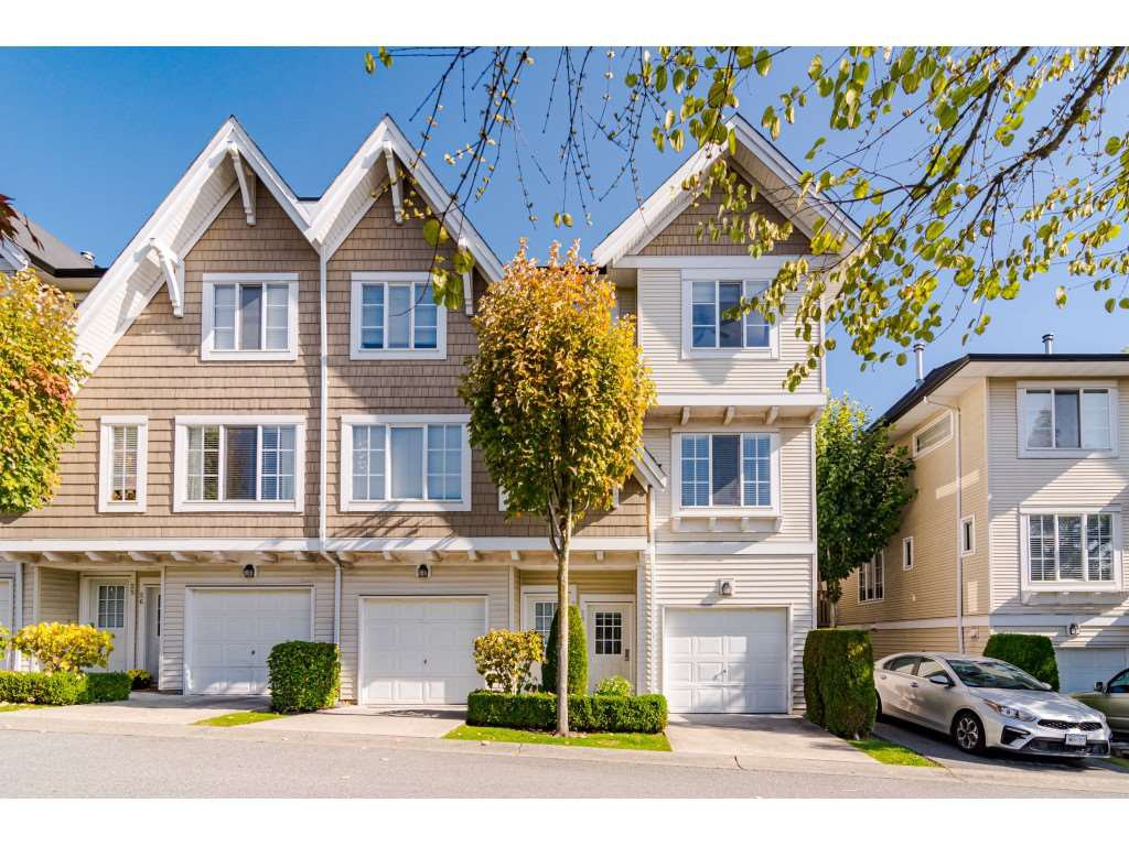 """Main Photo: 28 20560 66 Avenue in Langley: Willoughby Heights Townhouse for sale in """"Amberleigh 2"""" : MLS®# R2506602"""