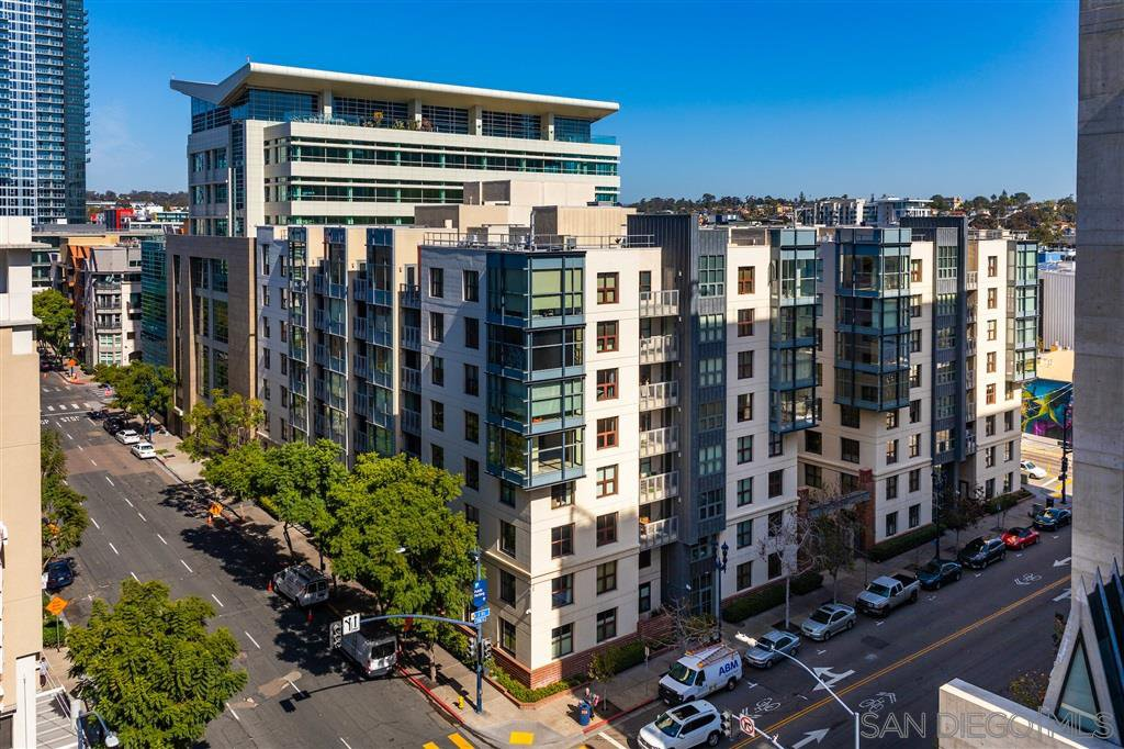 Main Photo: DOWNTOWN Apartment for rent : 1 bedrooms : 1150 J St #812 in San Diego