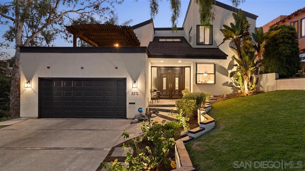 Main Photo: MISSION HILLS House for sale : 4 bedrooms : 3210 Goldfinch St in San Diego