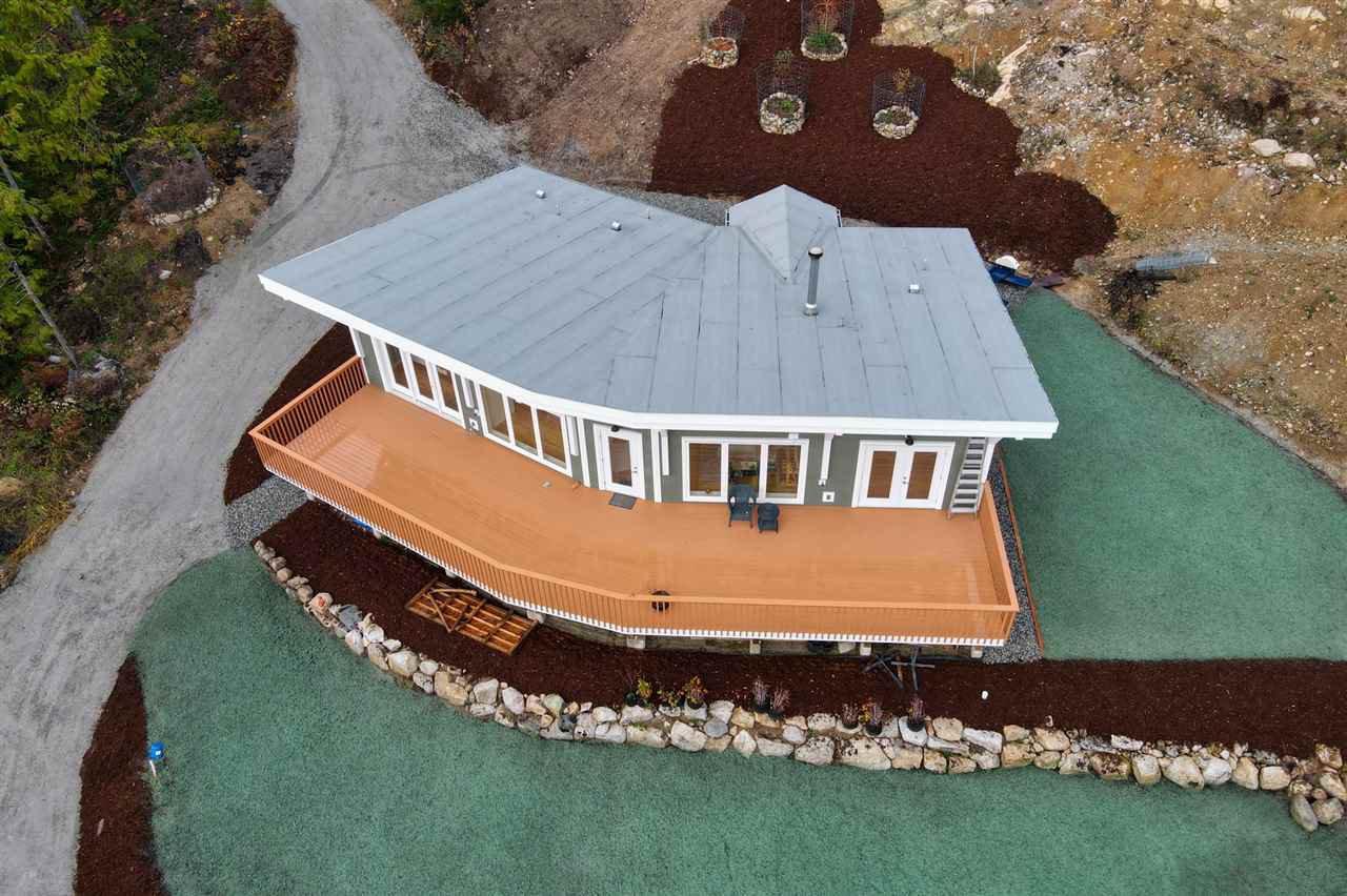 Main Photo: 1920 HANBURY Road: Roberts Creek House for sale (Sunshine Coast)  : MLS®# R2517180