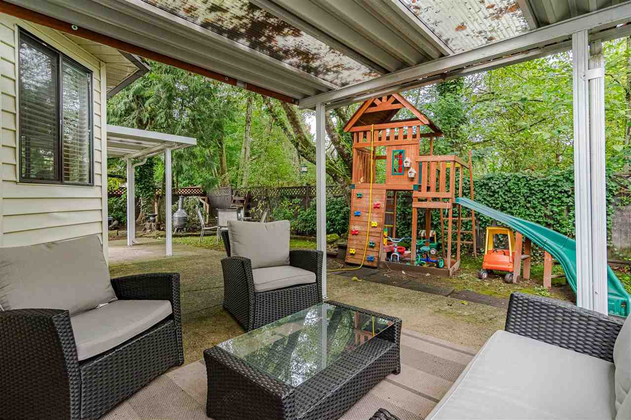 Photo 17: Photos: 9699 155 Street in Surrey: Guildford House for sale (North Surrey)  : MLS®# R2406318