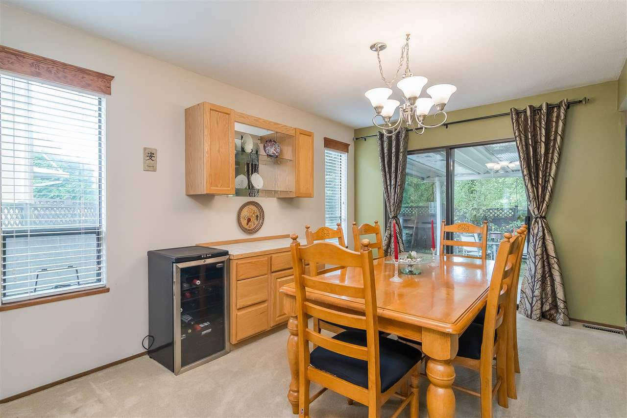 Photo 6: Photos: 9699 155 Street in Surrey: Guildford House for sale (North Surrey)  : MLS®# R2406318