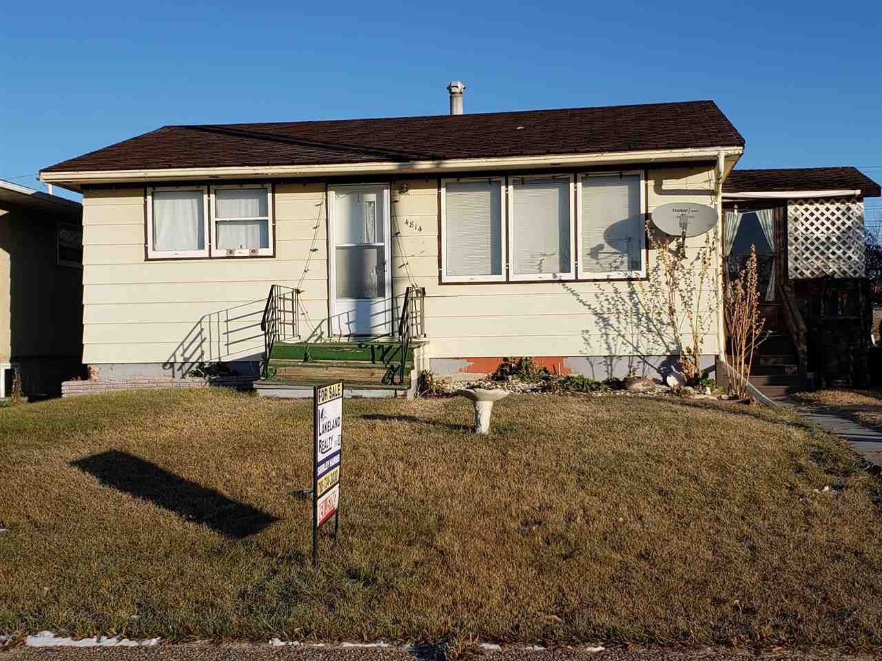 Main Photo: 4814 51 Avenue: Elk Point House for sale : MLS®# E4178564