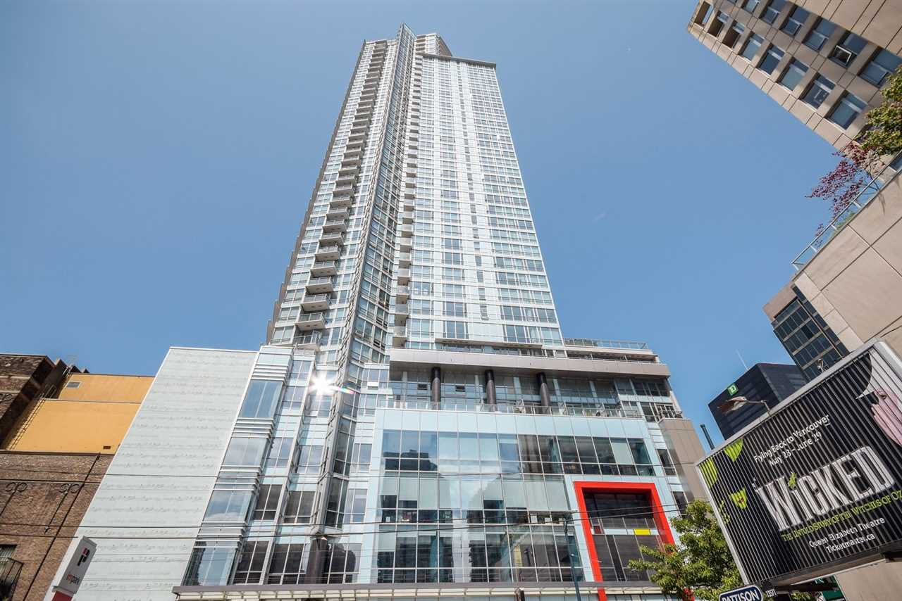 Main Photo: 905 833 SEYMOUR Street in Vancouver: Downtown VW Condo for sale (Vancouver West)  : MLS®# R2418318