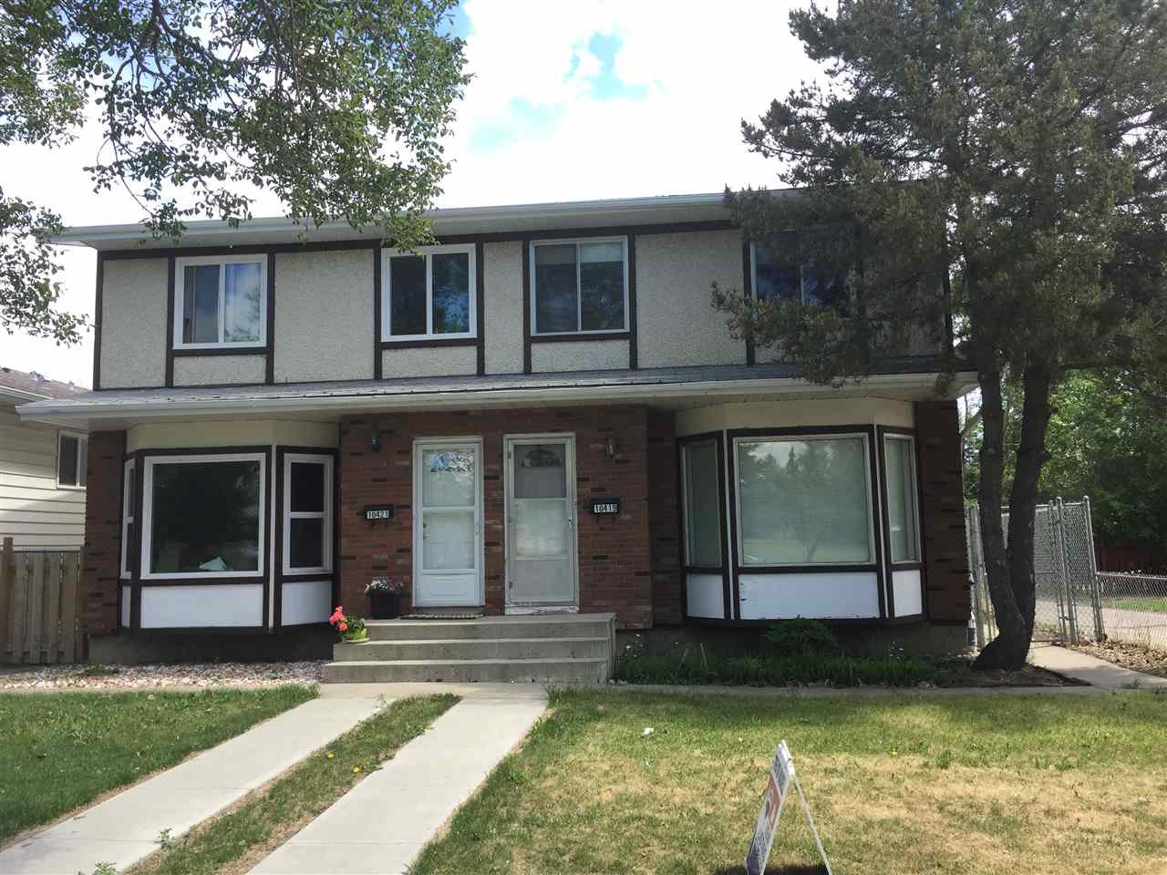 Main Photo: 10419 150 Street in Edmonton: Zone 21 House Half Duplex for sale : MLS®# E4168260