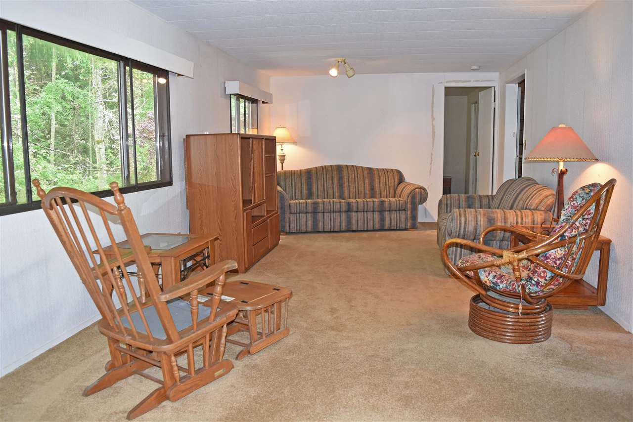 Photo 3: Photos: 33 1123 FLUME Road: Roberts Creek Manufactured Home for sale (Sunshine Coast)  : MLS®# R2462027
