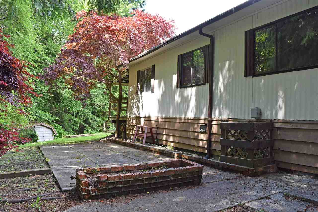 Photo 26: Photos: 33 1123 FLUME Road: Roberts Creek Manufactured Home for sale (Sunshine Coast)  : MLS®# R2462027