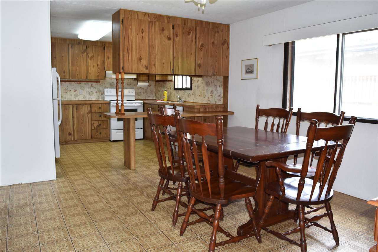 Photo 5: Photos: 33 1123 FLUME Road: Roberts Creek Manufactured Home for sale (Sunshine Coast)  : MLS®# R2462027