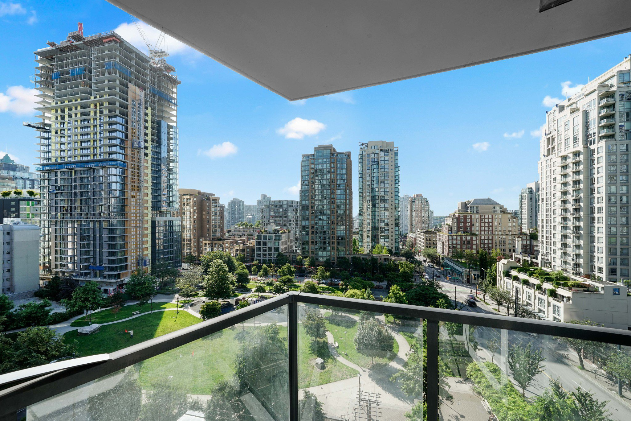 Main Photo: 805 1199 Seymour Street in Vancouver: Downtown VW Condo for sale (Vancouver West)  : MLS®# R2490228