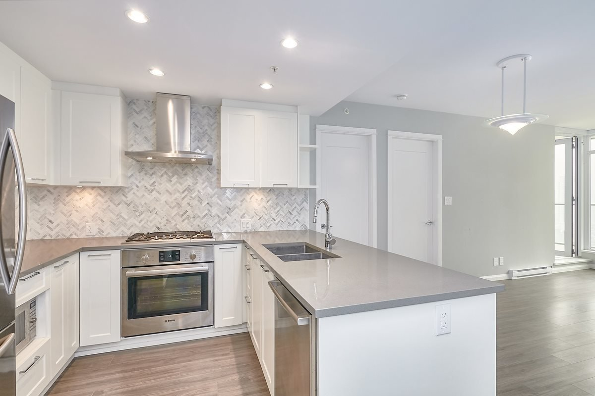 """Main Photo: 1709 520 COMO LAKE Avenue in Coquitlam: Coquitlam West Condo for sale in """"The Crown"""" : MLS®# R2497727"""
