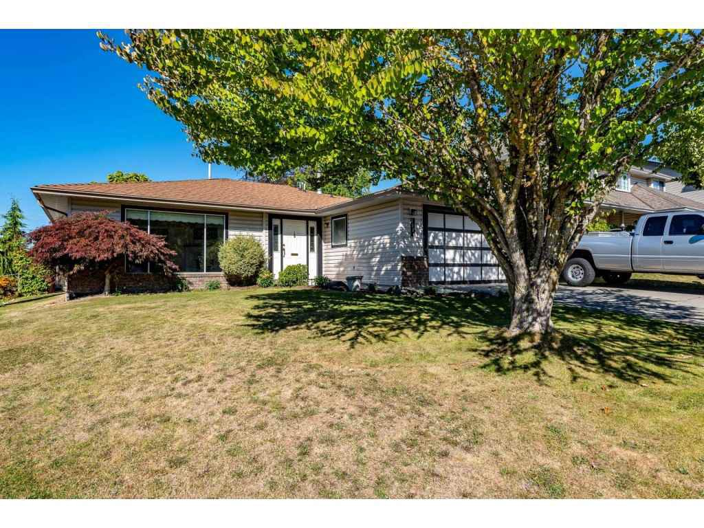 Main Photo: 2828 CROSSLEY Drive in Abbotsford: Abbotsford West House for sale : MLS®# R2502326