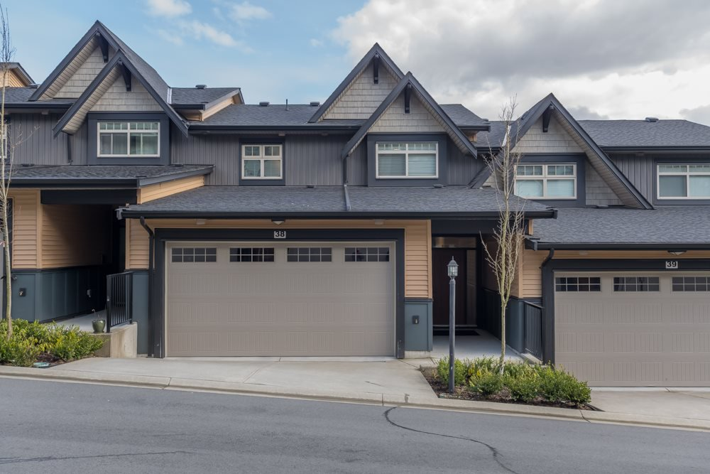 "Main Photo: 38 10525 240 Street in Maple Ridge: Albion Townhouse for sale in ""MAGNOLIA GROVE"" : MLS®# R2445454"