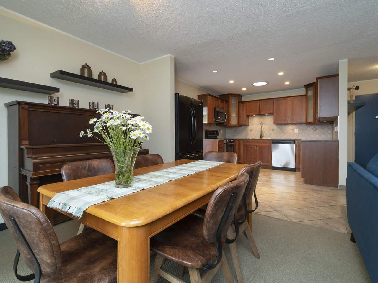 Photo 10: Photos: 2773 DAYBREAK Avenue in Coquitlam: Ranch Park House for sale : MLS®# R2457912