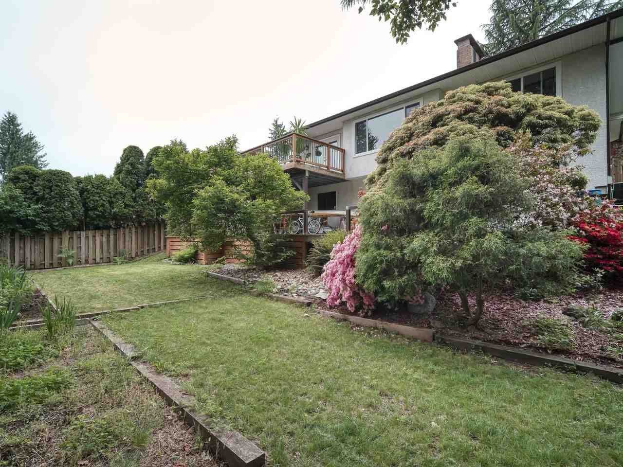 Photo 4: Photos: 2773 DAYBREAK Avenue in Coquitlam: Ranch Park House for sale : MLS®# R2457912