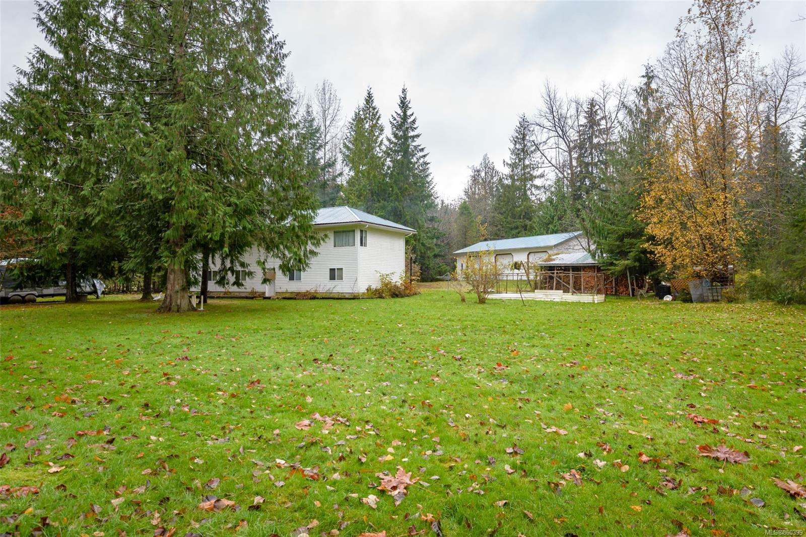 Main Photo: 8591 Lory Rd in : CV Merville Black Creek House for sale (Comox Valley)  : MLS®# 860399