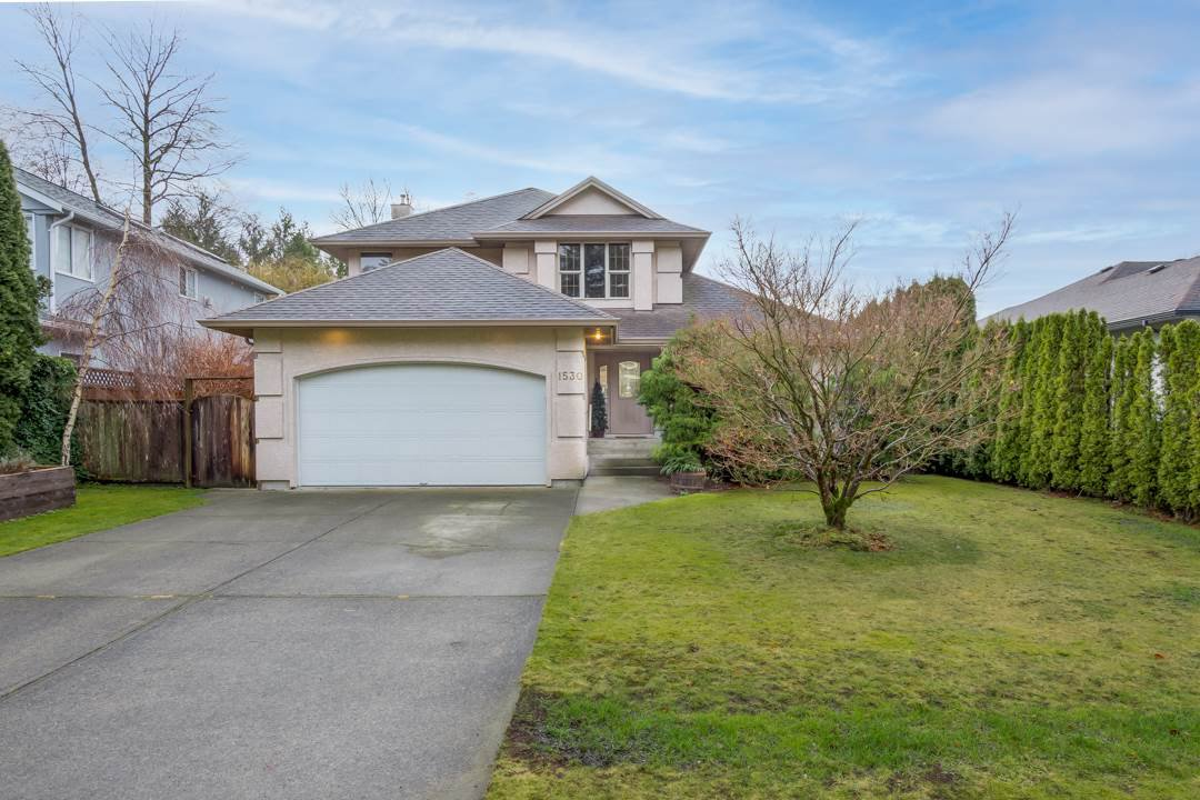 Main Photo: 1530 MACDONALD Place in Squamish: Brackendale House for sale : MLS®# R2528249