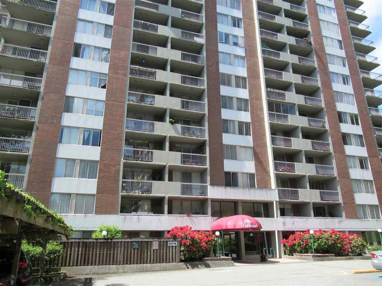 "Main Photo: 1101 2016 FULLERTON Avenue in North Vancouver: Pemberton NV Condo for sale in ""Woodcroft Estates"" : MLS®# R2412807"