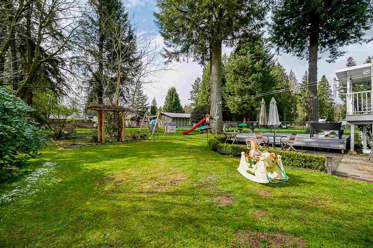 Photo 5: Photos: 19980 50 Avenue in Langley: Langley City House for sale : MLS®# R2449479