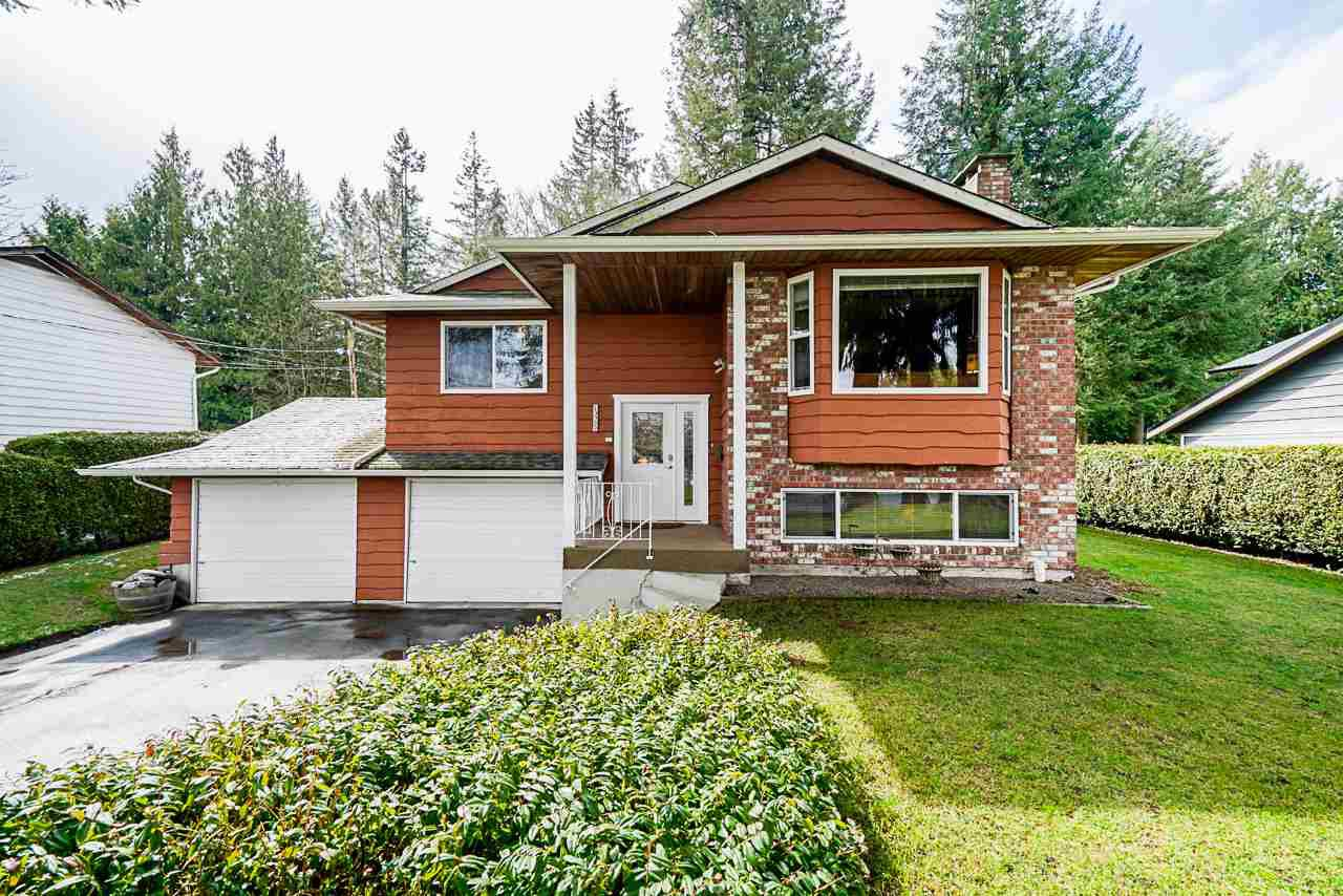 Photo 1: Photos: 19980 50 Avenue in Langley: Langley City House for sale : MLS®# R2449479