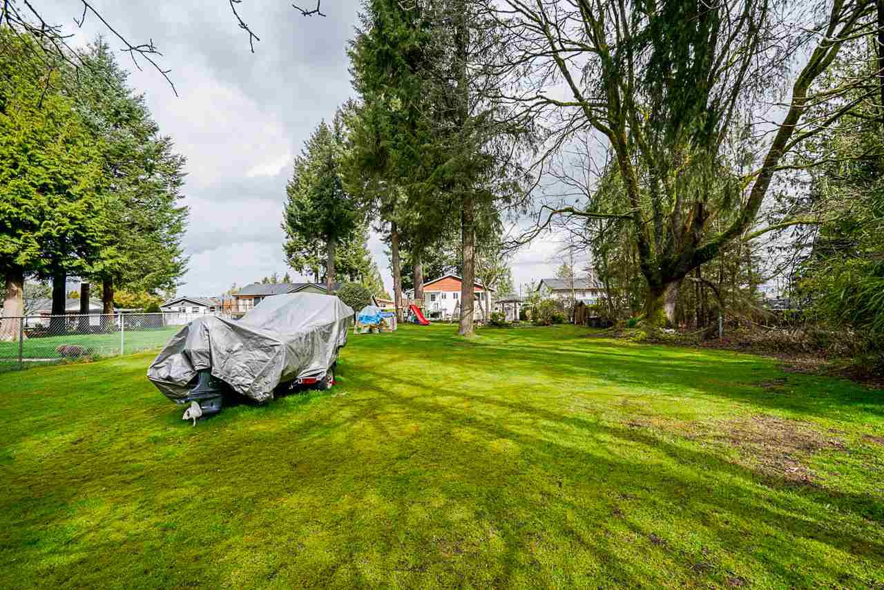 Photo 8: Photos: 19980 50 Avenue in Langley: Langley City House for sale : MLS®# R2449479