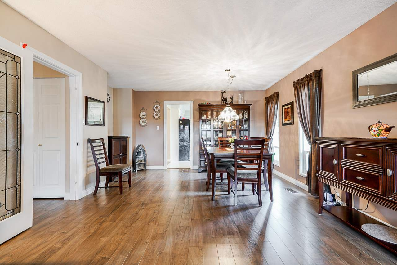 Photo 12: Photos: 19980 50 Avenue in Langley: Langley City House for sale : MLS®# R2449479