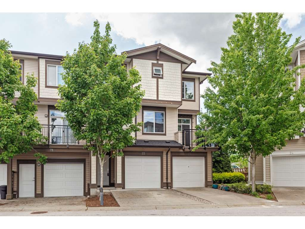 "Main Photo: 22 19433 68 Avenue in Surrey: Clayton Townhouse for sale in ""Clayton"" (Cloverdale)  : MLS®# R2454879"