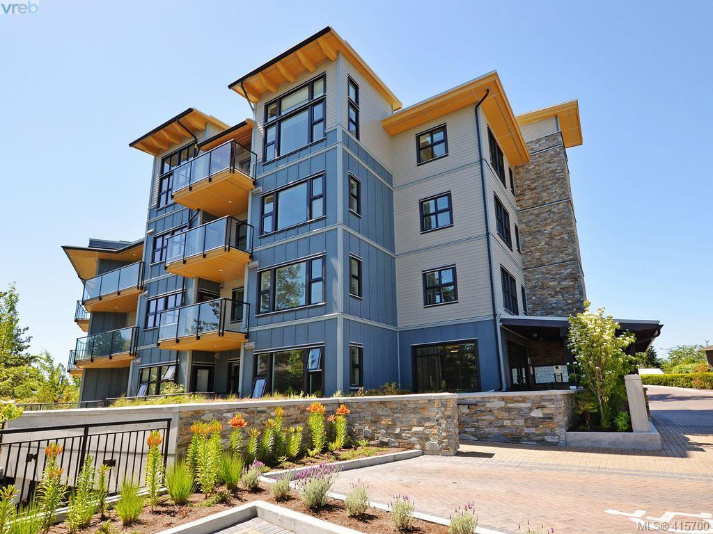 Main Photo: 404 3912 Carey Rd in VICTORIA: SW Tillicum Condo Apartment for sale (Saanich West)  : MLS®# 824610
