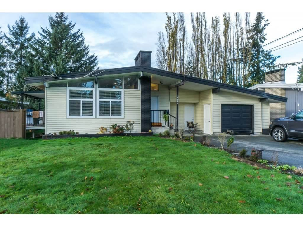 Main Photo: 2141 SHERWOOD Crescent in Abbotsford: Abbotsford West House for sale : MLS®# R2511327