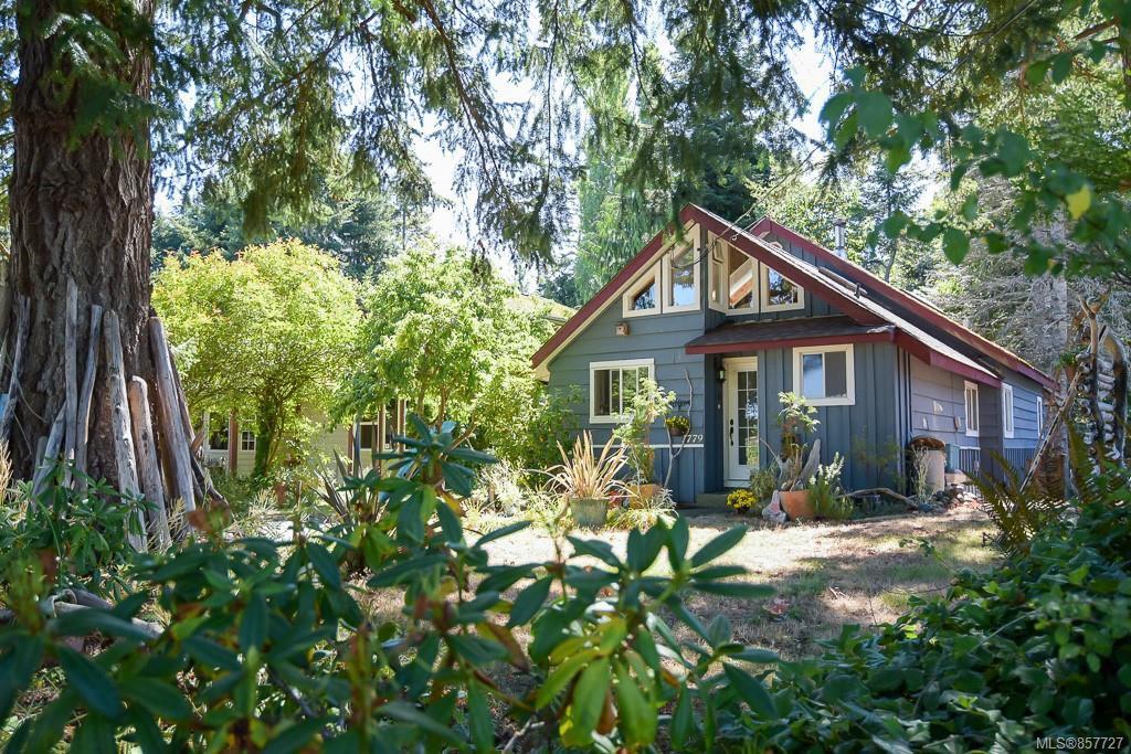 Main Photo: 1779 ASTRA Rd in : CV Comox Peninsula House for sale (Comox Valley)  : MLS®# 857727