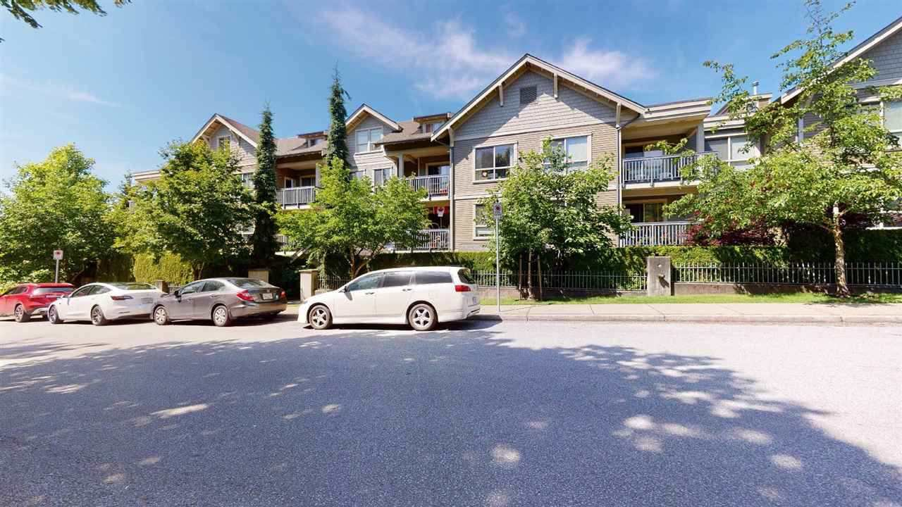 Main Photo: 104 3895 SANDELL Street in Burnaby: Central Park BS Condo for sale (Burnaby South)  : MLS®# R2517002