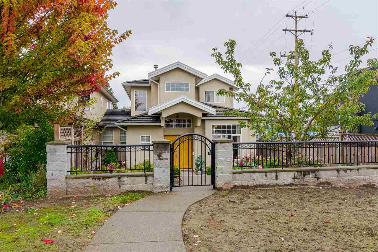 Main Photo: 380 STRATFORD Avenue in Burnaby: Capitol Hill BN House 1/2 Duplex for sale (Burnaby North)  : MLS®# R2411548