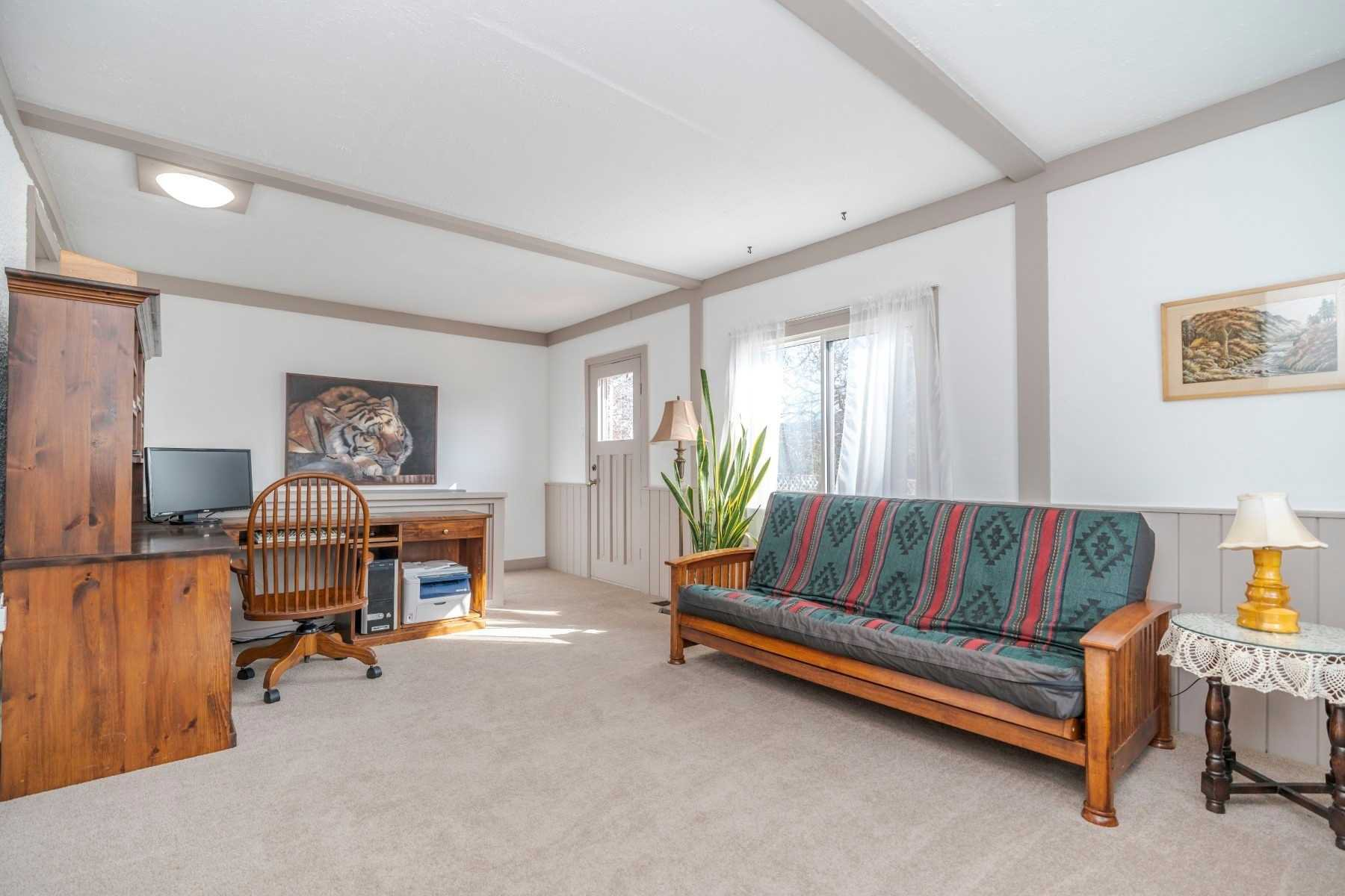 Photo 11: Photos: 1009 S Centre Street in Whitby: Downtown Whitby House (Bungalow) for sale : MLS®# E4714116