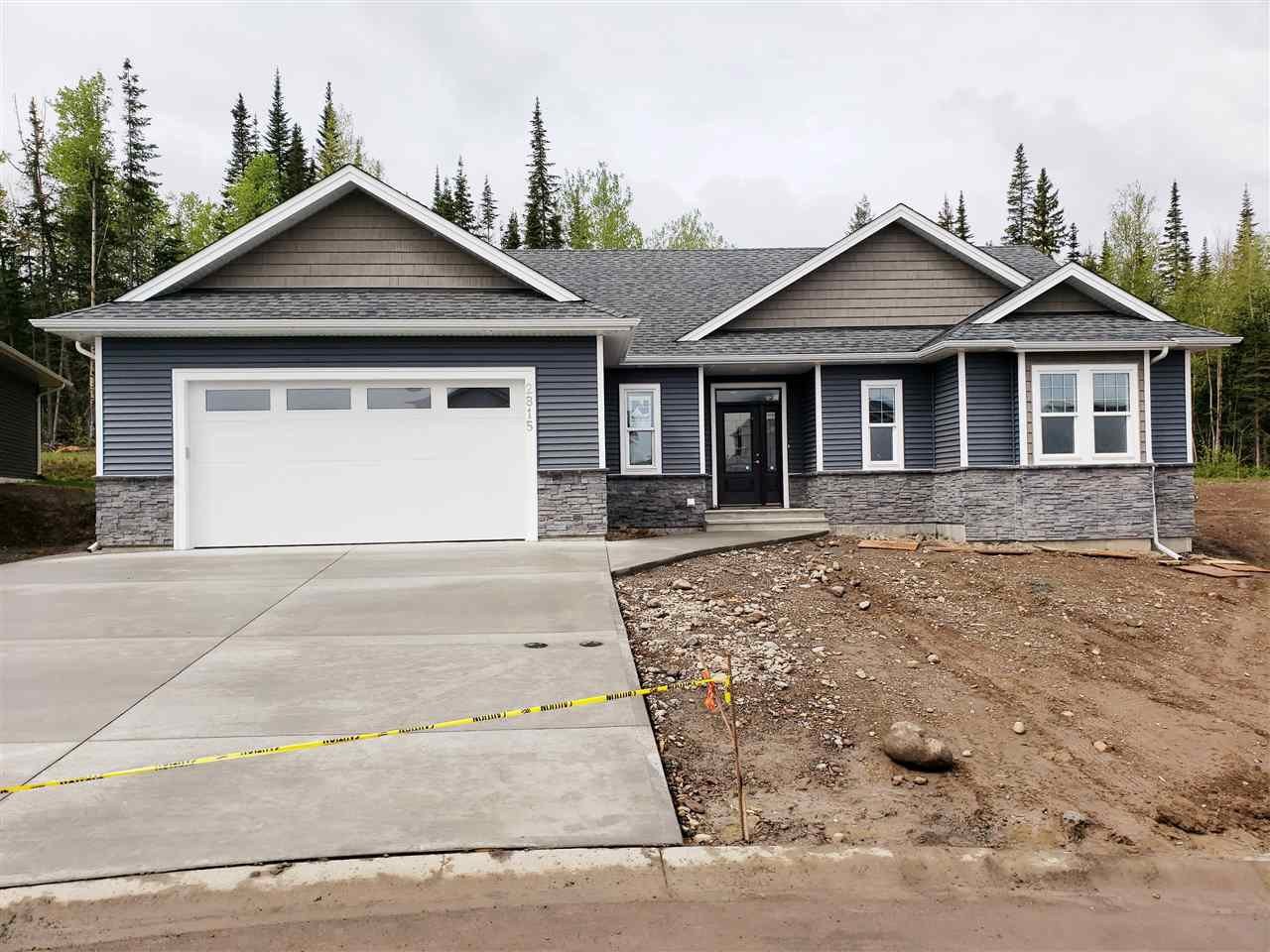 Main Photo: 2815 VISTA RIDGE Court in Prince George: St. Lawrence Heights House for sale (PG City South (Zone 74))  : MLS®# R2458117