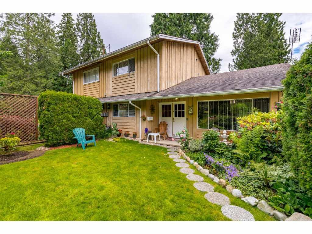 Main Photo: 3470 JERVIS Street in Port Coquitlam: Woodland Acres PQ 1/2 Duplex for sale : MLS®# R2469834