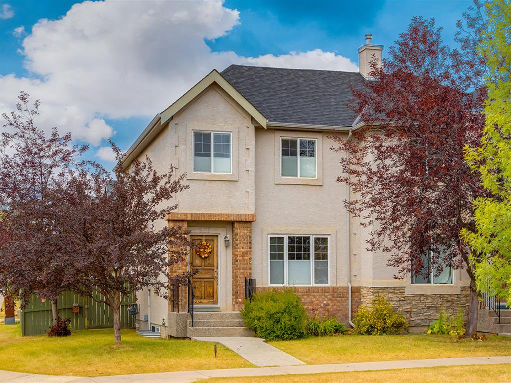 Main Photo: 927 WENTWORTH Rise SW in Calgary: West Springs Semi Detached for sale : MLS®# A1031221
