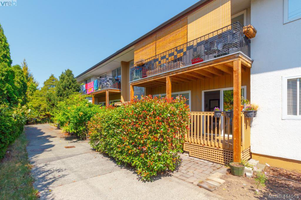 Main Photo: 330 W Burnside Rd in VICTORIA: SW Tillicum Condo for sale (Saanich West)  : MLS®# 822178