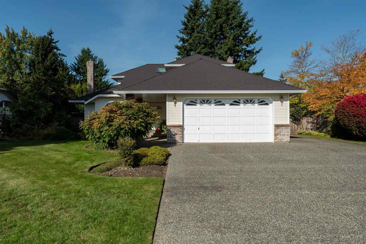 Main Photo: 19669 34A Avenue in Langley: Brookswood Langley House for sale : MLS®# R2412500