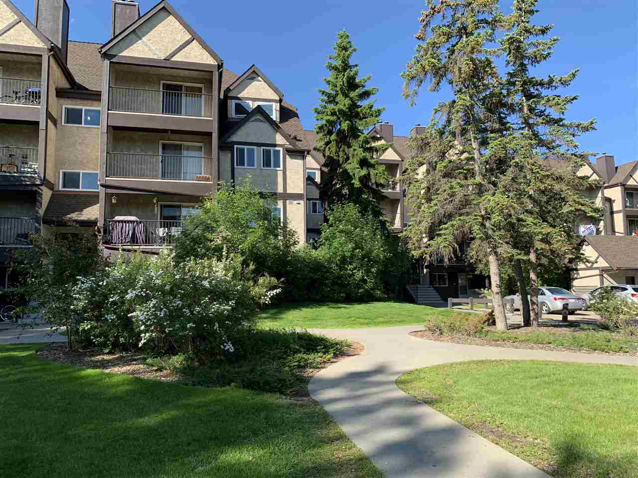 Main Photo: 8013 TUDOR Glen: St. Albert Condo for sale : MLS®# E4201737
