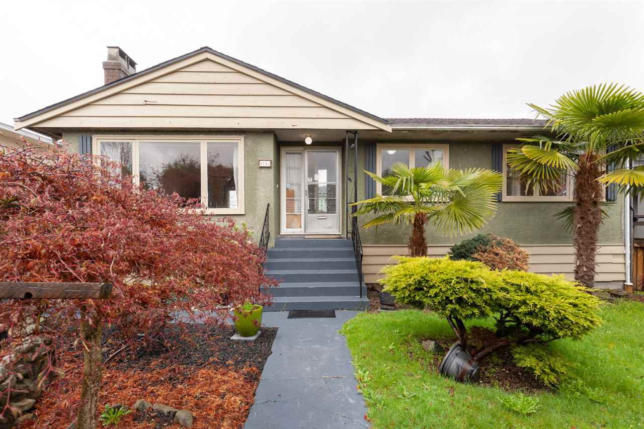 Main Photo: 4143 HAZELWOOD Crescent in Burnaby: Garden Village House for sale (Burnaby South)  : MLS®# R2471532