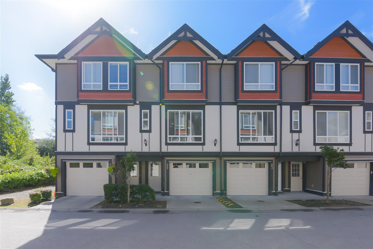 Main Photo: 21 6378 142 Street in Surrey: Sullivan Station Townhouse for sale : MLS®# R2491271