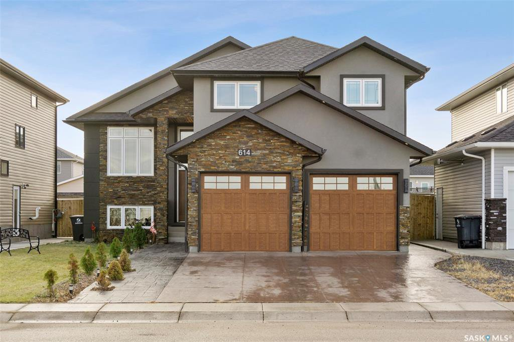Main Photo: 614 Boykowich Crescent in Saskatoon: Evergreen Residential for sale : MLS®# SK833387