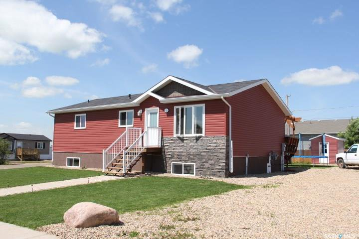 Main Photo: 220 Elizabeth Street in Melfort: Residential for sale : MLS®# SK781641