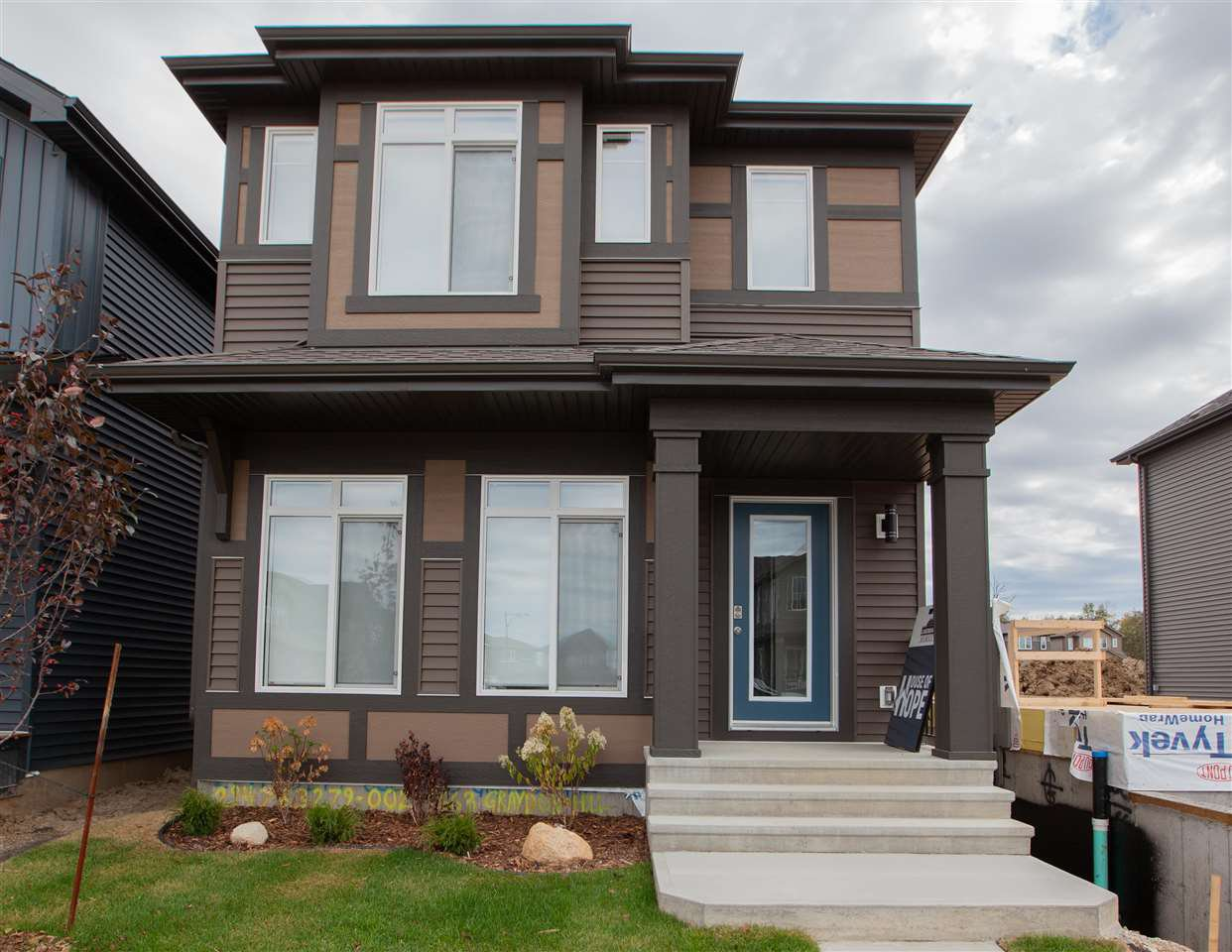 Main Photo: 1663 Graydon Hill Link SW in Edmonton: Zone 55 House for sale : MLS®# E4173395