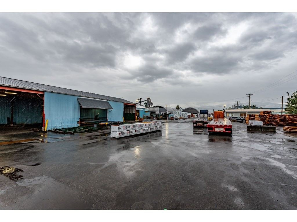 Main Photo: 720 RIVERSIDE Road in Abbotsford: Poplar Industrial for sale : MLS®# C8027941