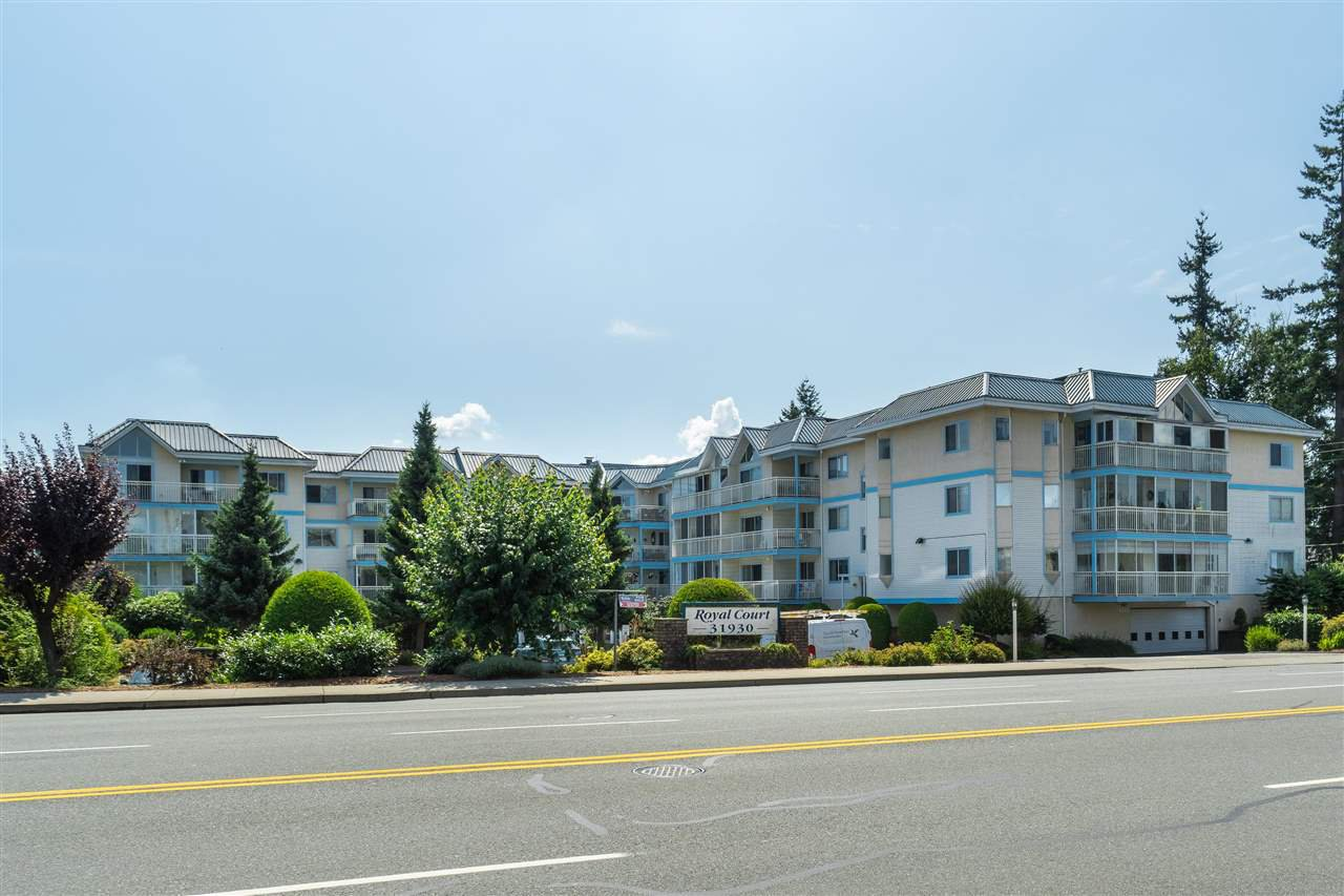 "Main Photo: 205 31930 OLD YALE Road in Abbotsford: Abbotsford West Condo for sale in ""Royal Court"" : MLS®# R2413572"