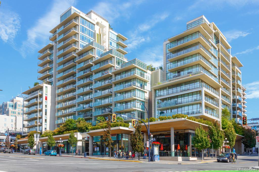 Main Photo: 801 707 Courtney St in Victoria: Vi Downtown Condo Apartment for sale : MLS®# 843049