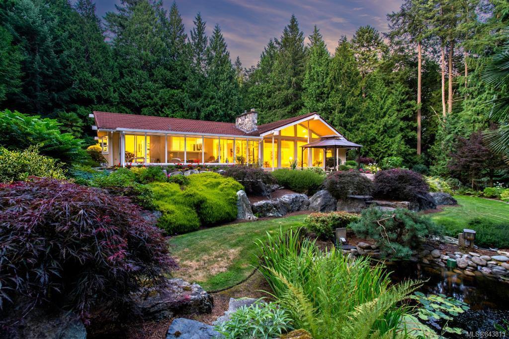 Main Photo: 5021 West Saanich Rd in Saanich: SW Prospect Lake Single Family Detached for sale (Saanich West)  : MLS®# 843813