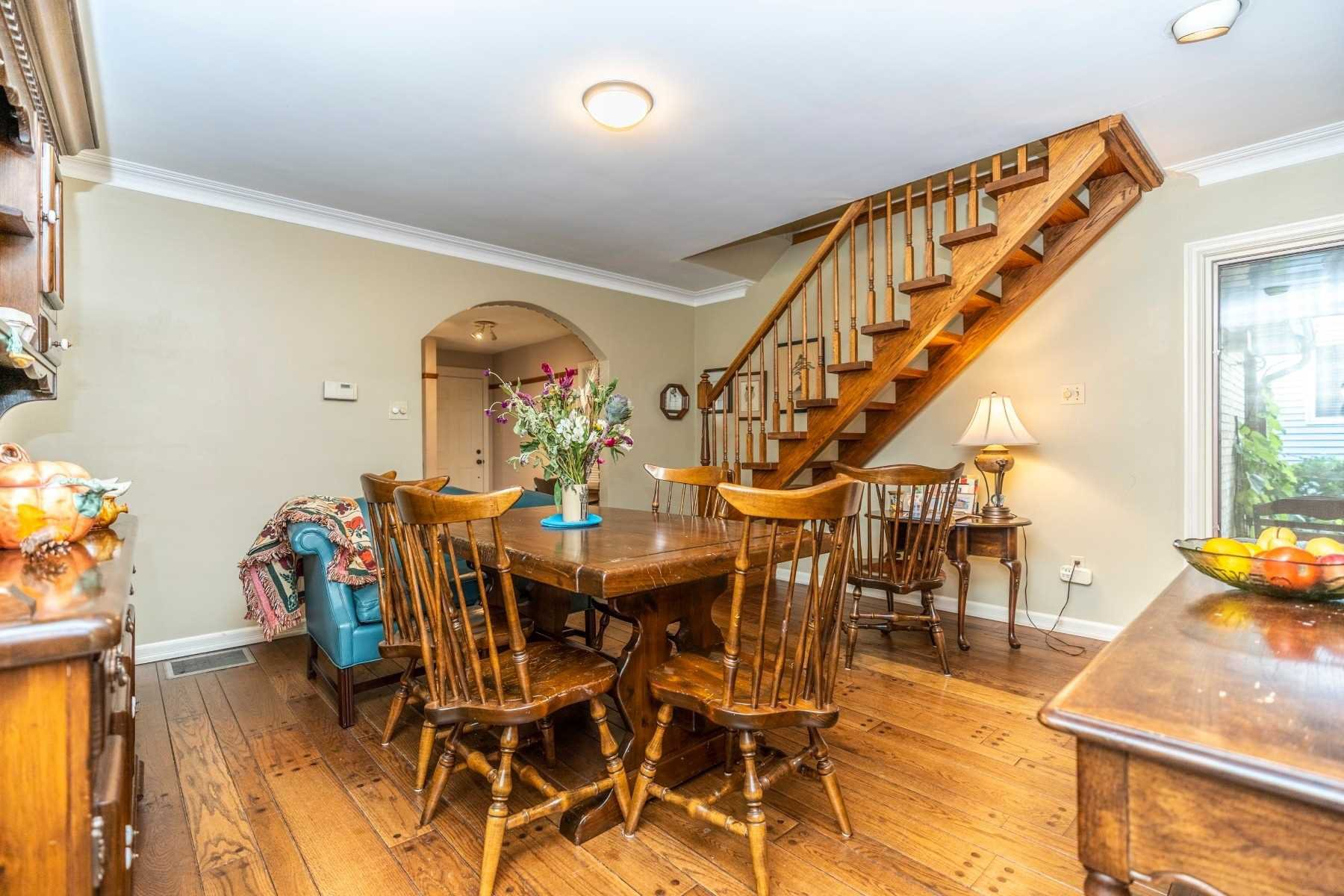 Photo 2: Photos: 914 Regent Drive in Oshawa: Eastdale House (2-Storey) for sale : MLS®# E4617219